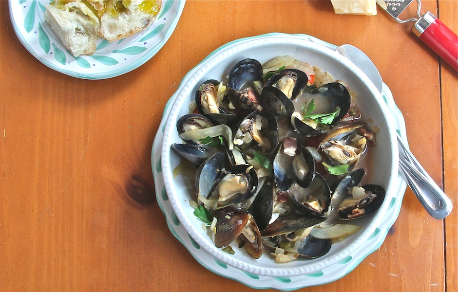 Mussels With Fennel And Bacon Recipes — Dishmaps