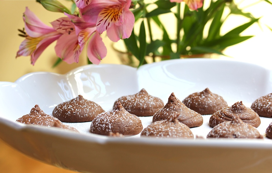Peanut Butter – Chocolate Kiss Cookies