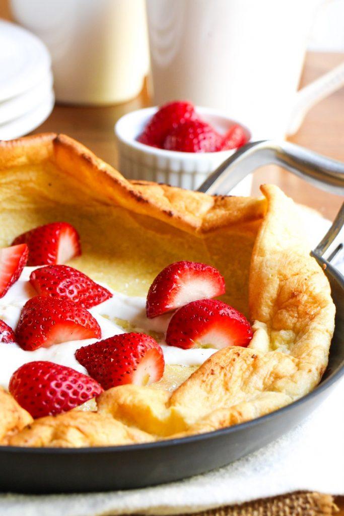 german pancakes with strawberries